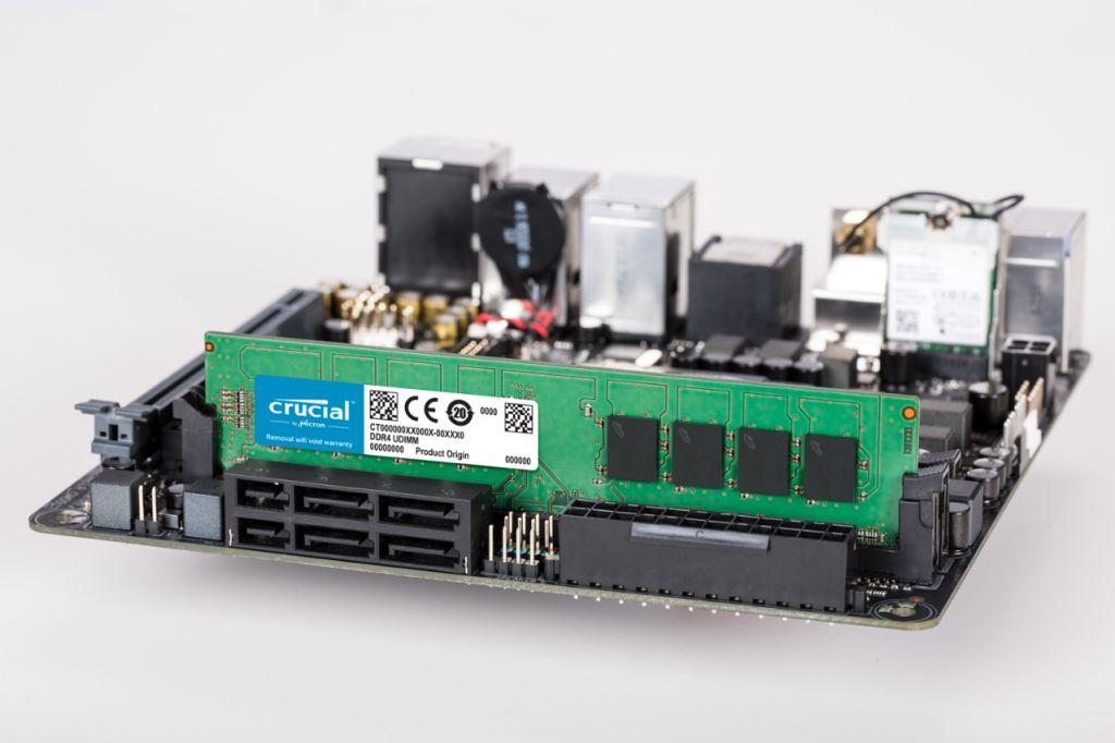 Crucialメモリ(RAM)