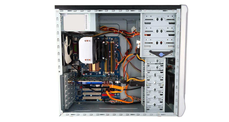 側面を取り外して内部コンポーネントが露出したパソコン