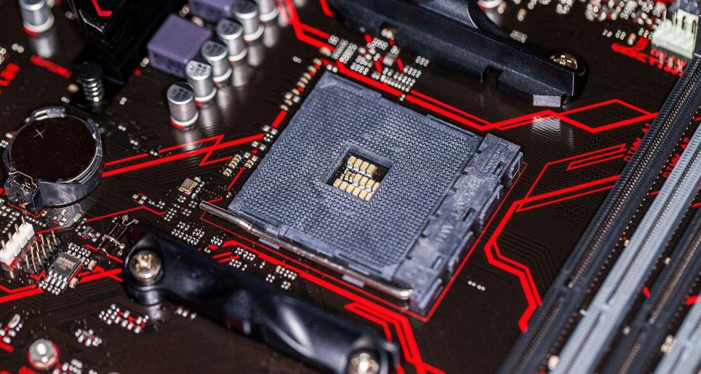 CPUとマザーボードのズームアップ。