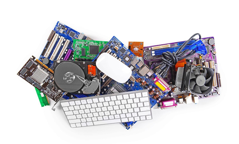 キーボードやマウスなど、パソコンのハードウェアを集めた画像